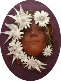 Trsih_Emily_Mask_with_silver_flowers_op_800x1059